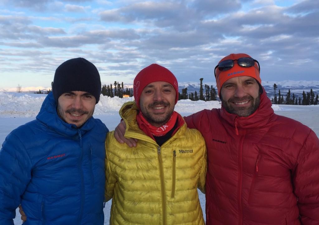 Andrei Rosu & Tanase Vlad & Tiberiu Usureiu @ Polul Nord - start ultramaraton 6633