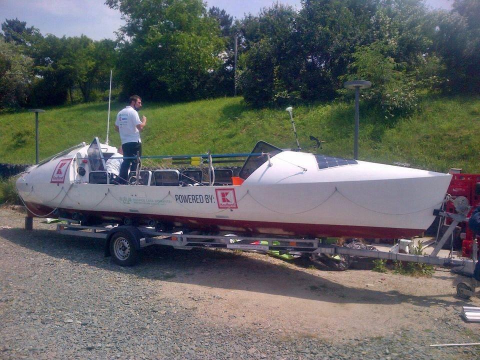 Atlantic 4 - Barca cu vasle a echipei